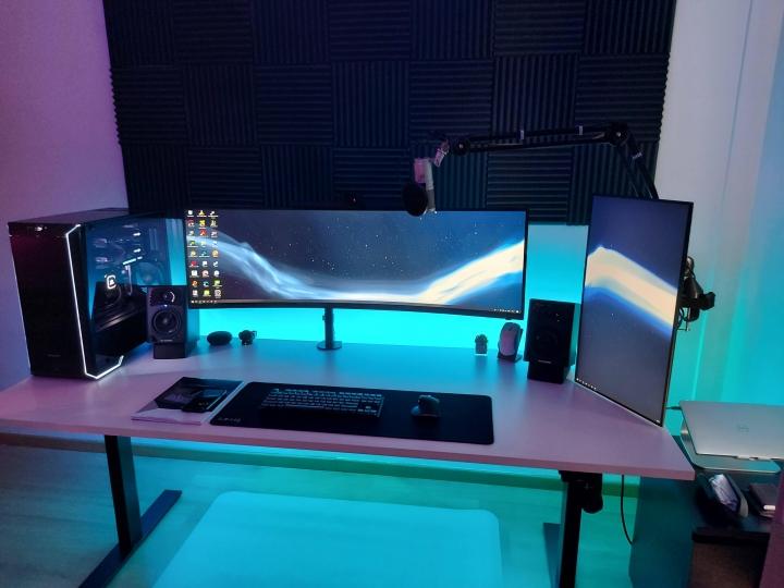 Show_Your_PC_Desk_UltlaWideMonitor_Part76_96.jpg