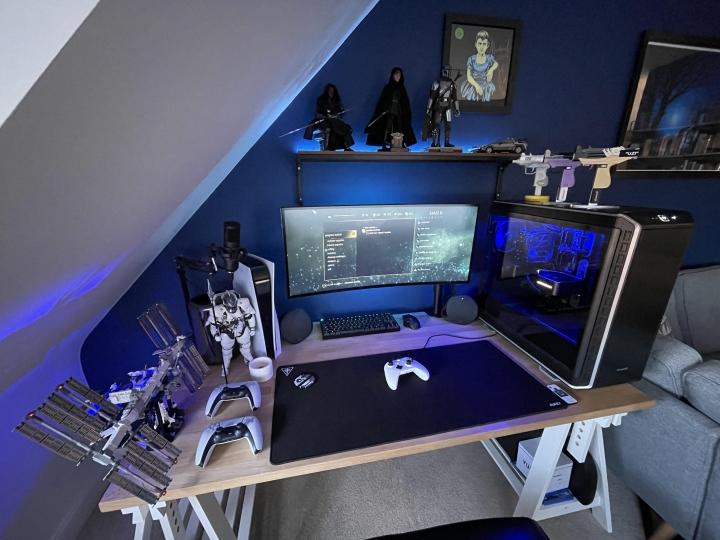 Show_Your_PC_Desk_UltlaWideMonitor_Part76_97.jpg