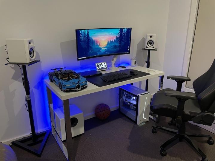 Show_Your_PC_Desk_UltlaWideMonitor_Part77_02.jpg