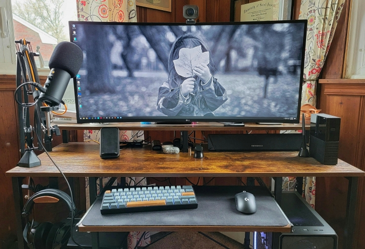 Show_Your_PC_Desk_UltlaWideMonitor_Part77_06.jpg
