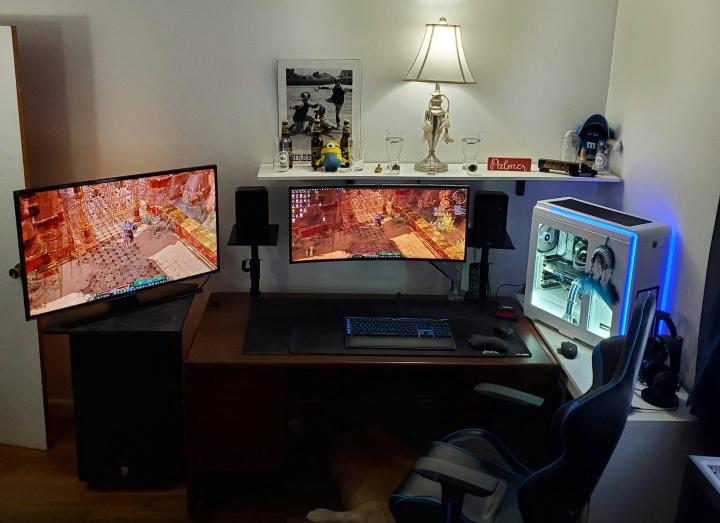 Show_Your_PC_Desk_UltlaWideMonitor_Part77_17.jpg