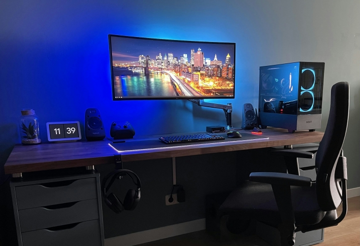 Show_Your_PC_Desk_UltlaWideMonitor_Part77_35.jpg