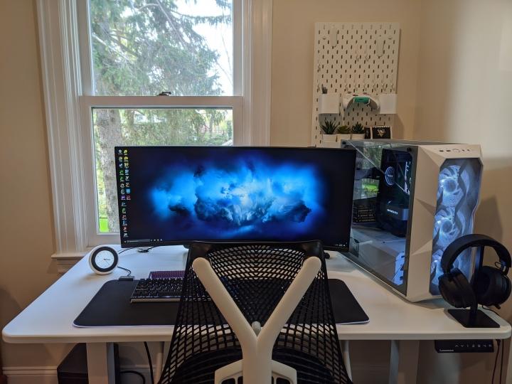 Show_Your_PC_Desk_UltlaWideMonitor_Part77_40.jpg