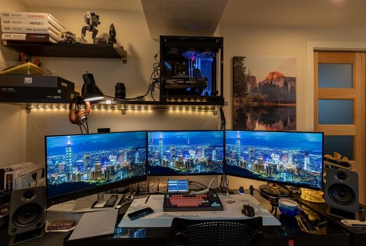 Show_Your_PC_Desk_UltlaWideMonitor_Part77_43.jpg