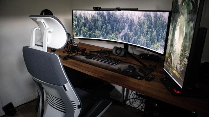 Show_Your_PC_Desk_UltlaWideMonitor_Part77_64.jpg