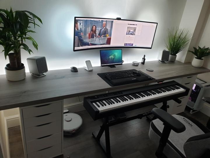 Show_Your_PC_Desk_UltlaWideMonitor_Part77_75.jpg