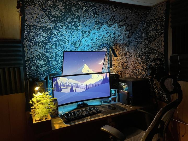 Show_Your_PC_Desk_UltlaWideMonitor_Part77_77.jpg