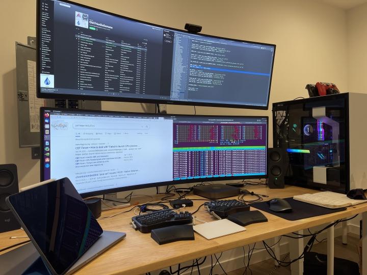 Show_Your_PC_Desk_UltlaWideMonitor_Part77_83.jpg