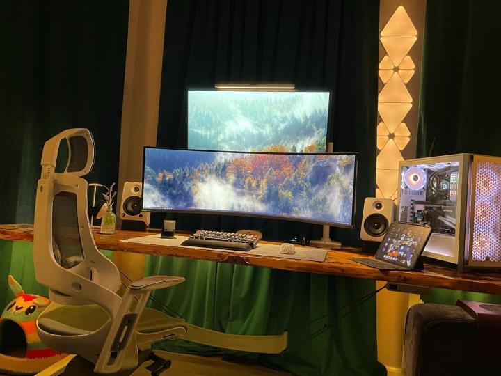 Show_Your_PC_Desk_UltlaWideMonitor_Part77_84.jpg