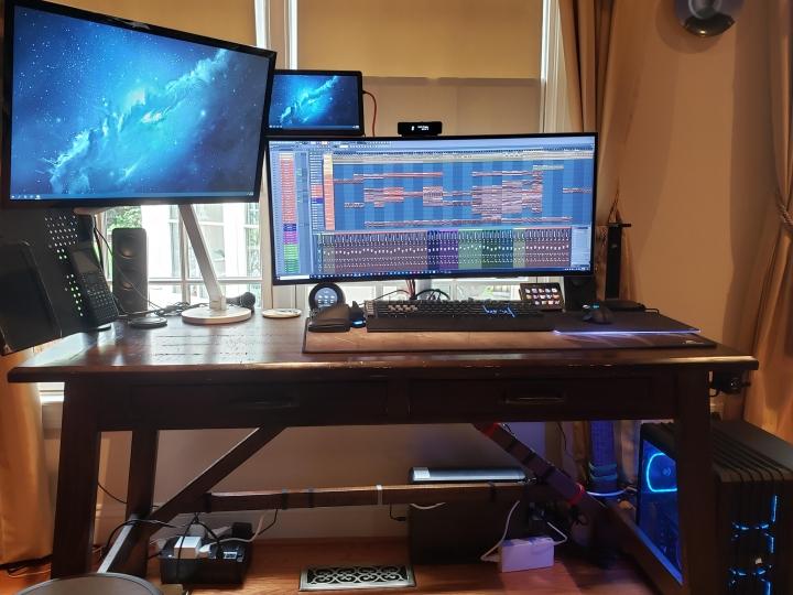 Show_Your_PC_Desk_UltlaWideMonitor_Part77_90.jpg