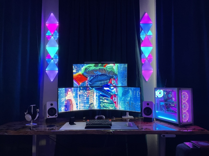 Show_Your_PC_Desk_UltlaWideMonitor_Part77_96.jpg