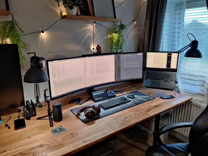 Show_Your_PC_Desk_UltlaWideMonitor_Part78_100.jpg