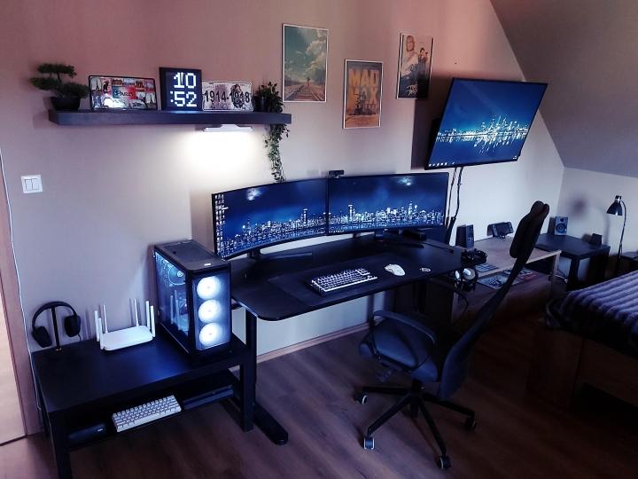 Show_Your_PC_Desk_UltlaWideMonitor_Part78_16.jpg