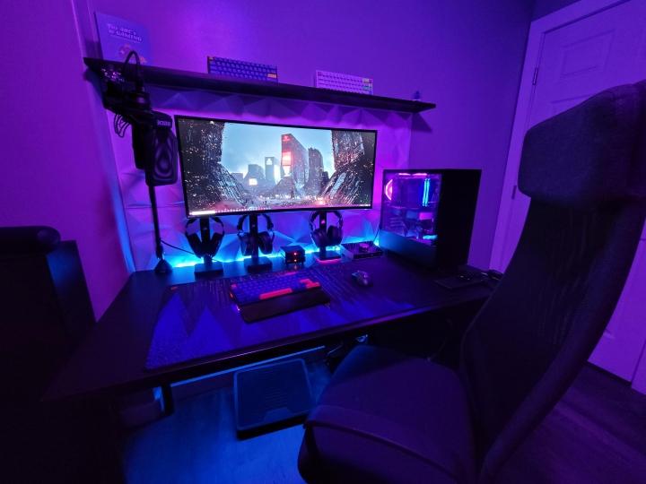 Show_Your_PC_Desk_UltlaWideMonitor_Part78_17.jpg
