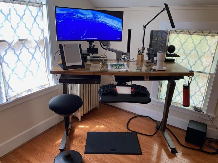 Show_Your_PC_Desk_UltlaWideMonitor_Part78_25.jpg