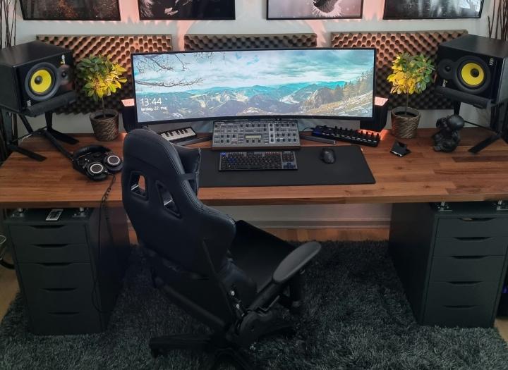 Show_Your_PC_Desk_UltlaWideMonitor_Part78_42.jpg