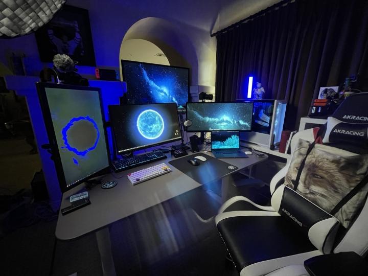 Show_Your_PC_Desk_UltlaWideMonitor_Part78_56.jpg