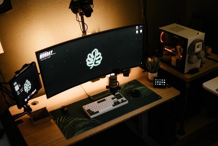 Show_Your_PC_Desk_UltlaWideMonitor_Part78_80.jpg