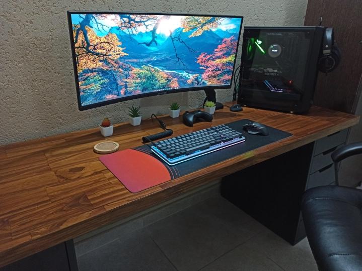 Show_Your_PC_Desk_UltlaWideMonitor_Part78_83.jpg