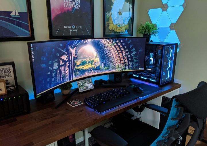 Show_Your_PC_Desk_UltlaWideMonitor_Part78_90.jpg