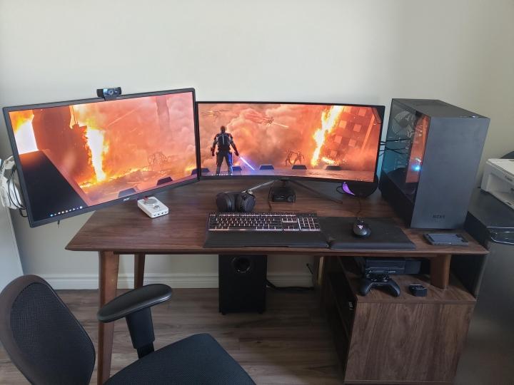 Show_Your_PC_Desk_UltlaWideMonitor_Part79_16.jpg