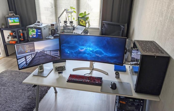 Show_Your_PC_Desk_UltlaWideMonitor_Part79_35.jpg