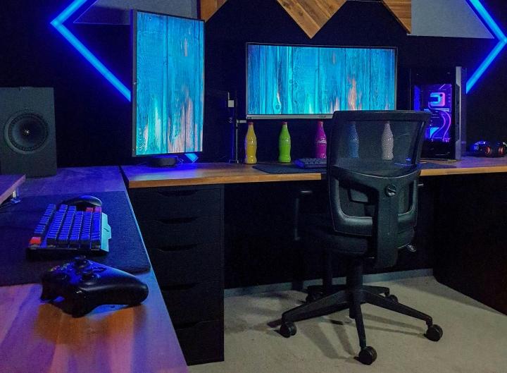 Show_Your_PC_Desk_UltlaWideMonitor_Part79_46.jpg