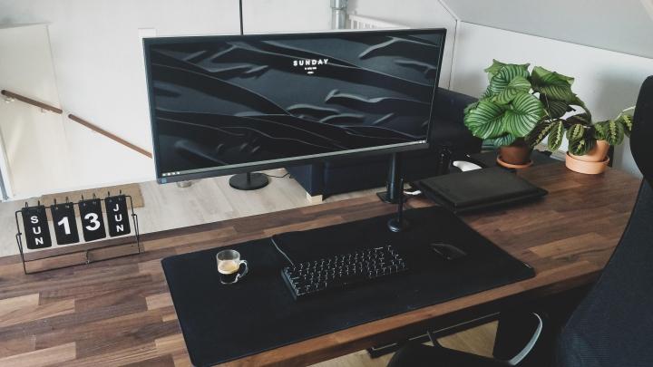 Show_Your_PC_Desk_UltlaWideMonitor_Part79_57.jpg