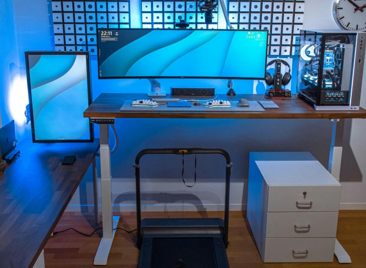 Show_Your_PC_Desk_UltlaWideMonitor_Part79_69.jpg