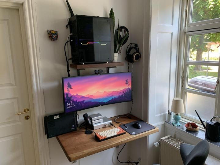 Show_Your_PC_Desk_UltlaWideMonitor_Part79_82.jpg