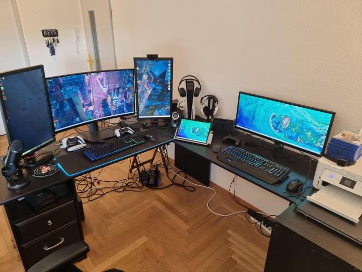 Show_Your_PC_Desk_UltlaWideMonitor_Part79_85.jpg
