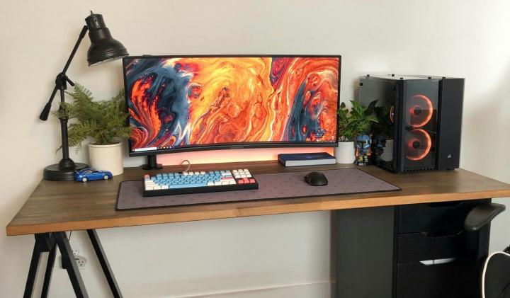 Show_Your_PC_Desk_UltlaWideMonitor_Part79_95.jpg