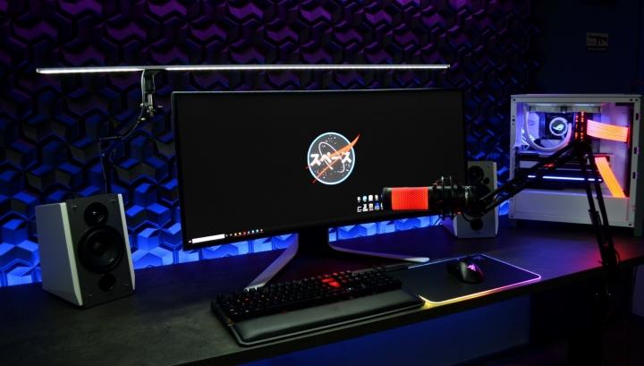 Show_Your_PC_Desk_UltlaWideMonitor_Part79_96.jpg