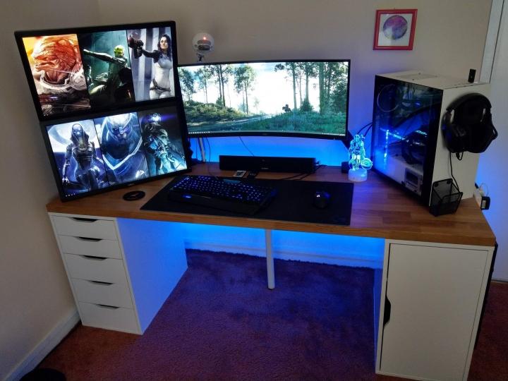 Show_Your_PC_Desk_UltlaWideMonitor_Part80_02.jpg