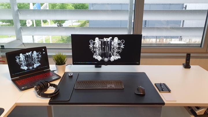 Show_Your_PC_Desk_UltlaWideMonitor_Part80_16.jpg