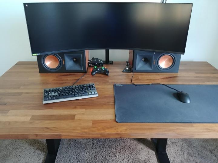 Show_Your_PC_Desk_UltlaWideMonitor_Part80_38.jpg