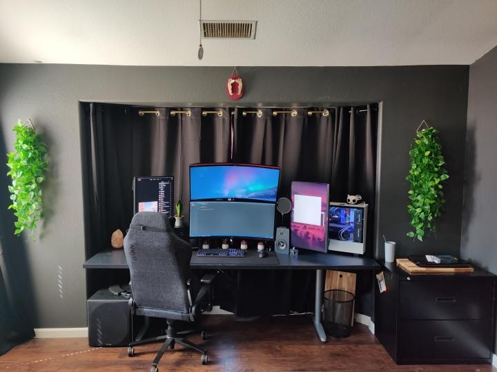 Show_Your_PC_Desk_UltlaWideMonitor_Part80_61.jpg