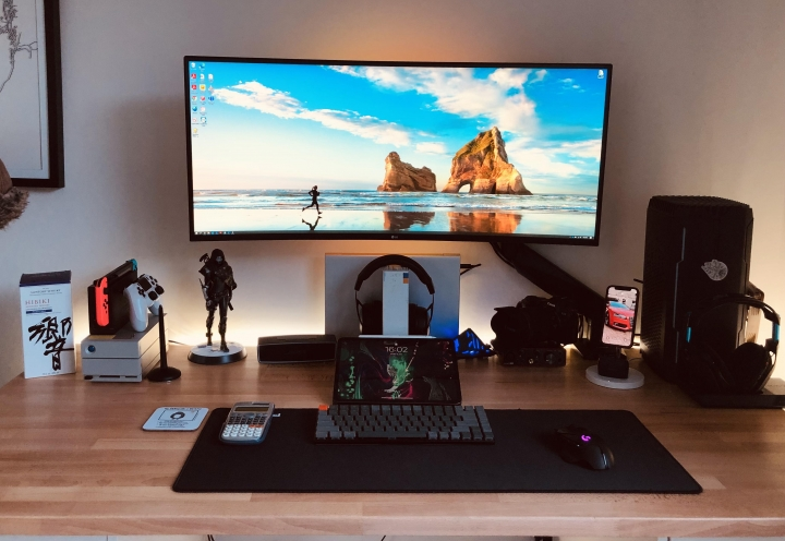 Show_Your_PC_Desk_UltlaWideMonitor_Part80_63.jpg