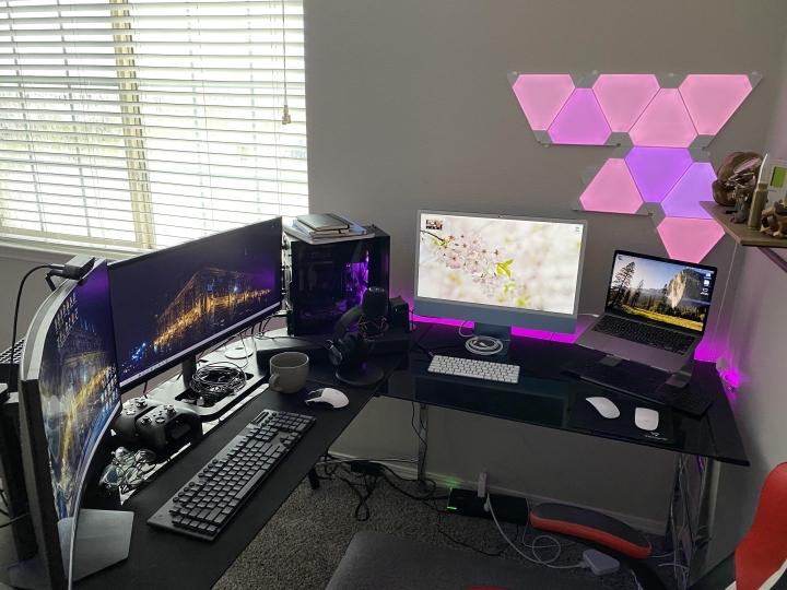 Show_Your_PC_Desk_UltlaWideMonitor_Part80_68.jpg