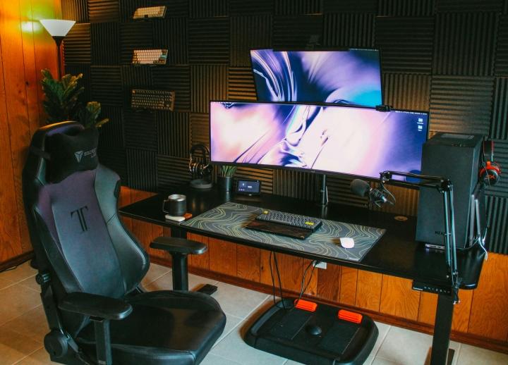 Show_Your_PC_Desk_UltlaWideMonitor_Part80_78.jpg
