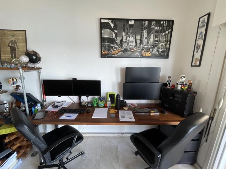 Show_Your_PC_Desk_UltlaWideMonitor_Part80_80.jpg