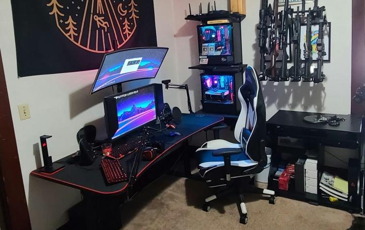 Show_Your_PC_Desk_UltlaWideMonitor_Part80_85.jpg