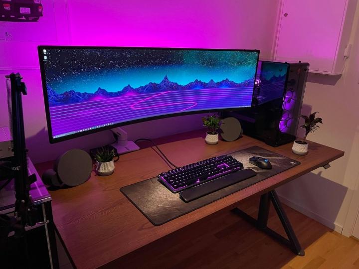 Show_Your_PC_Desk_UltlaWideMonitor_Part80_96.jpg