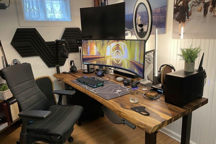 Show_Your_PC_Desk_UltlaWideMonitor_Part81_01.jpg
