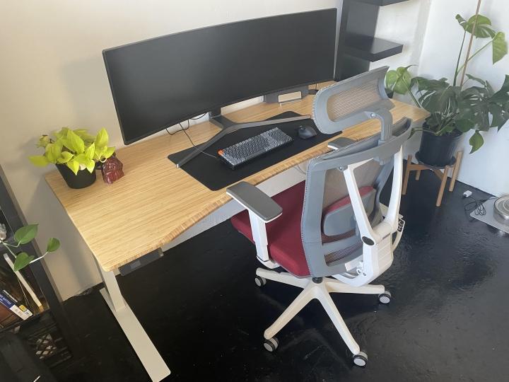 Show_Your_PC_Desk_UltlaWideMonitor_Part81_02.jpg