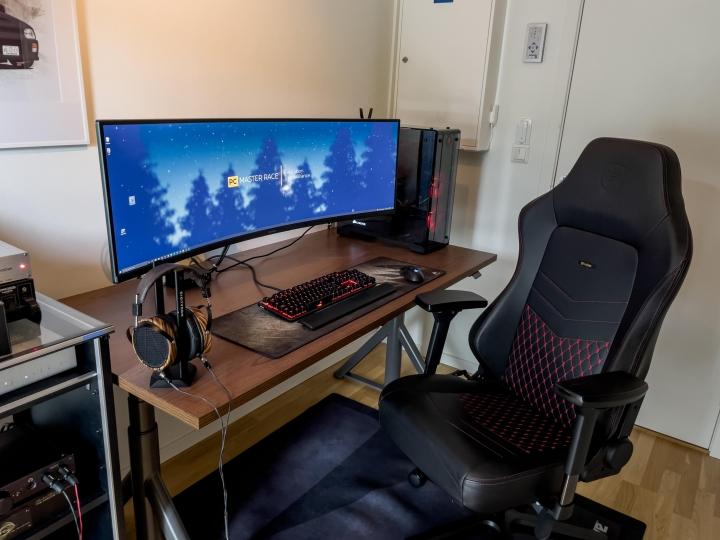 Show_Your_PC_Desk_UltlaWideMonitor_Part81_03.jpg