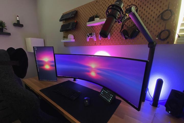 Show_Your_PC_Desk_UltlaWideMonitor_Part81_35.jpg