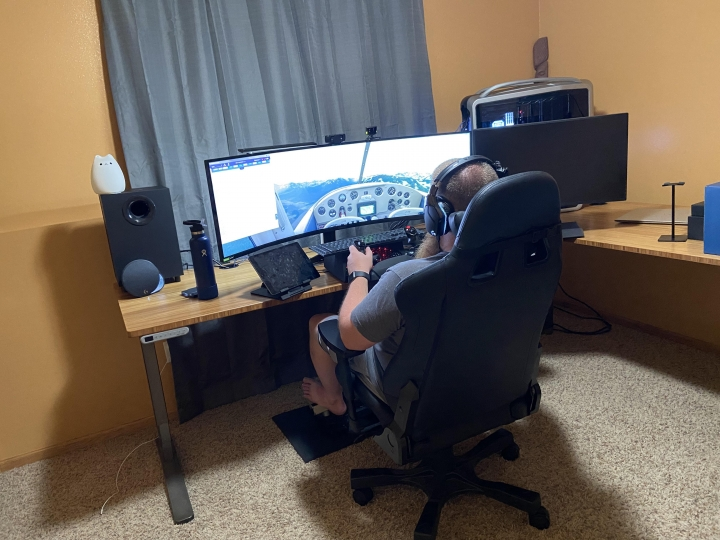Show_Your_PC_Desk_UltlaWideMonitor_Part81_44.jpg