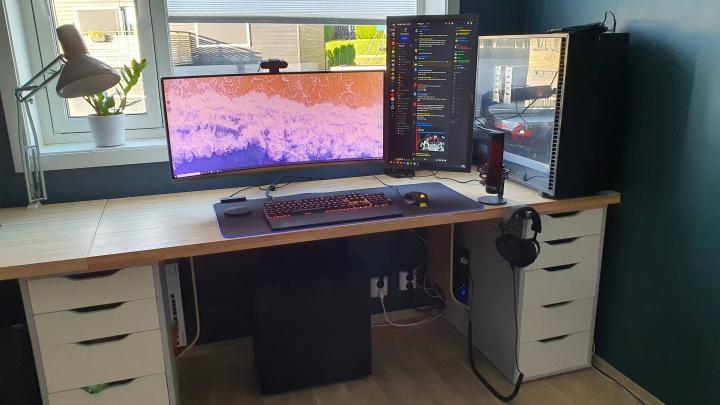 Show_Your_PC_Desk_UltlaWideMonitor_Part81_45.jpg