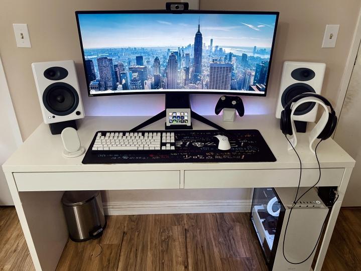 Show_Your_PC_Desk_UltlaWideMonitor_Part81_75.jpg